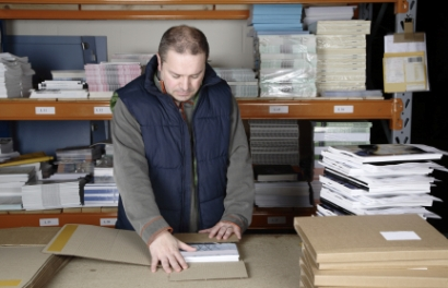 Online Bookstore Warehouse Packer